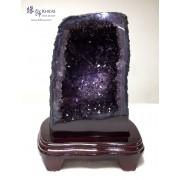 烏拉圭紫晶洞.帶金鈦絲