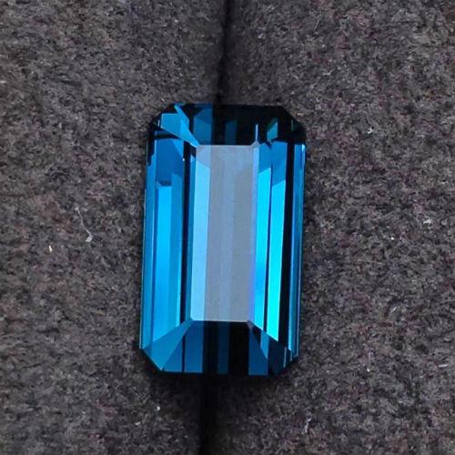 藍碧璽裸石(網上圖片)